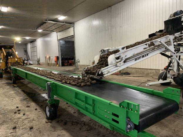 Bau-Man's conveyor