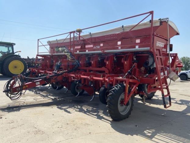 SPUDNIK 8080 planter with hill shapers mounted on the back